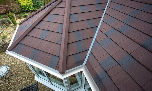 Leka warm roof